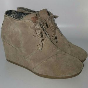 Tom's Beige Suede Wedges Lace Up Booties